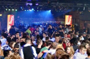 Un party sfrenato a Lloret de Mar