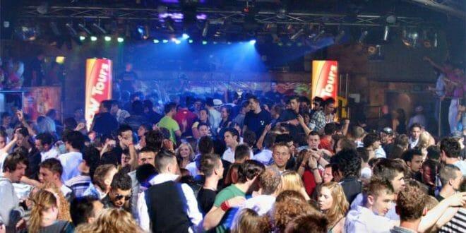 Un party sfrenato a Lloret de Mar
