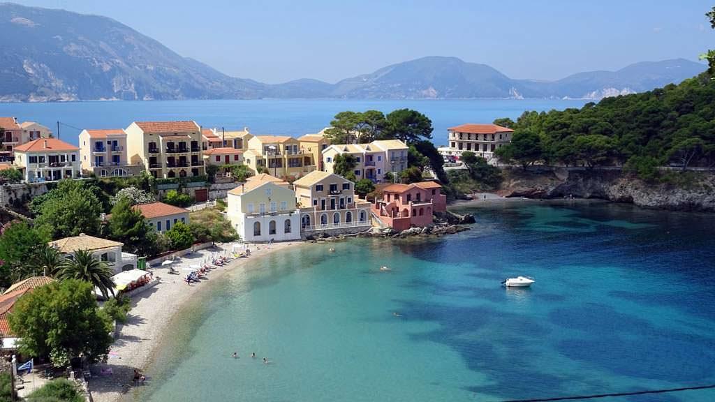 Cefalonia, guida per le Vacanze: spiagge, attrazioni e ...