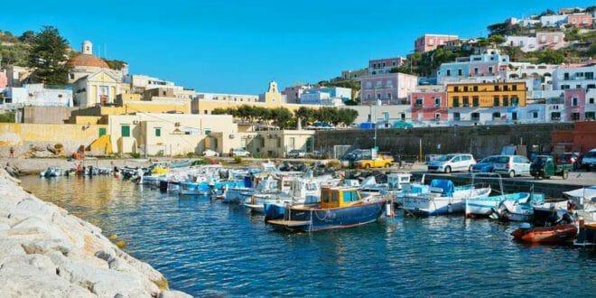 Isola di Ponza, il porto