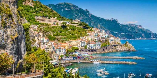 Amalfi in estate