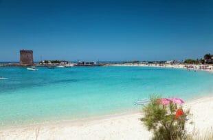 Porto Cesareo, spiaggia con la torre