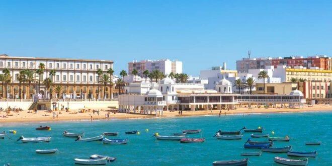 Cadice, la spiaggia cittadina
