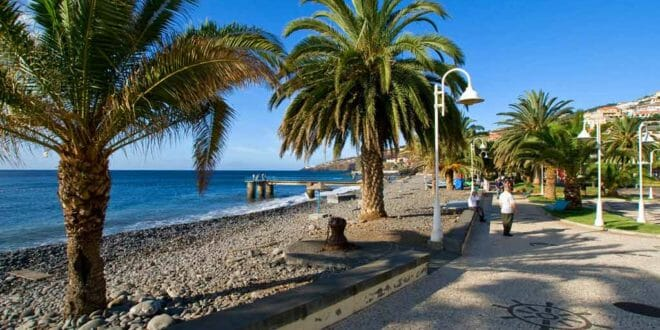 Madeira, il lungomare di Santa Cruz