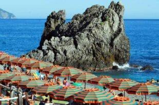 Guida estate alle Cinque Terre, spiaggia di Fegina.