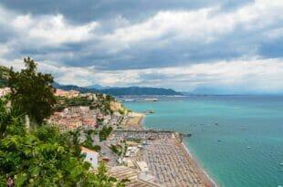 Vietri sul Mare: la lunga spiaggia