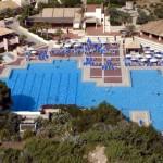 L'enorme piscina di Kamarina, un bellissimo Club Med in Italia